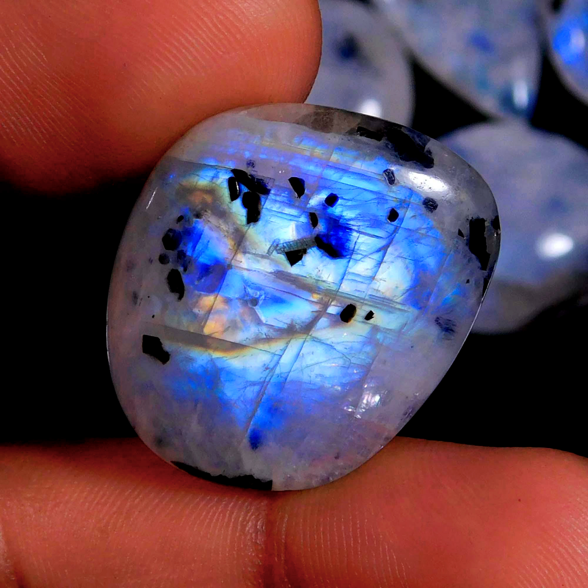 8 Pcs. 166Cts. Natural Blue Fire Rainbow Moonstone Mix Cabochon Wholesale Lot Gemstone 25X22 21X16 mm.