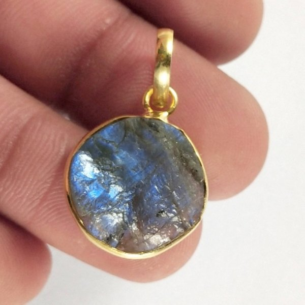 11CTS Gold Plated Labradorite Druzy gemstone Round Pendant Size 19X15mm